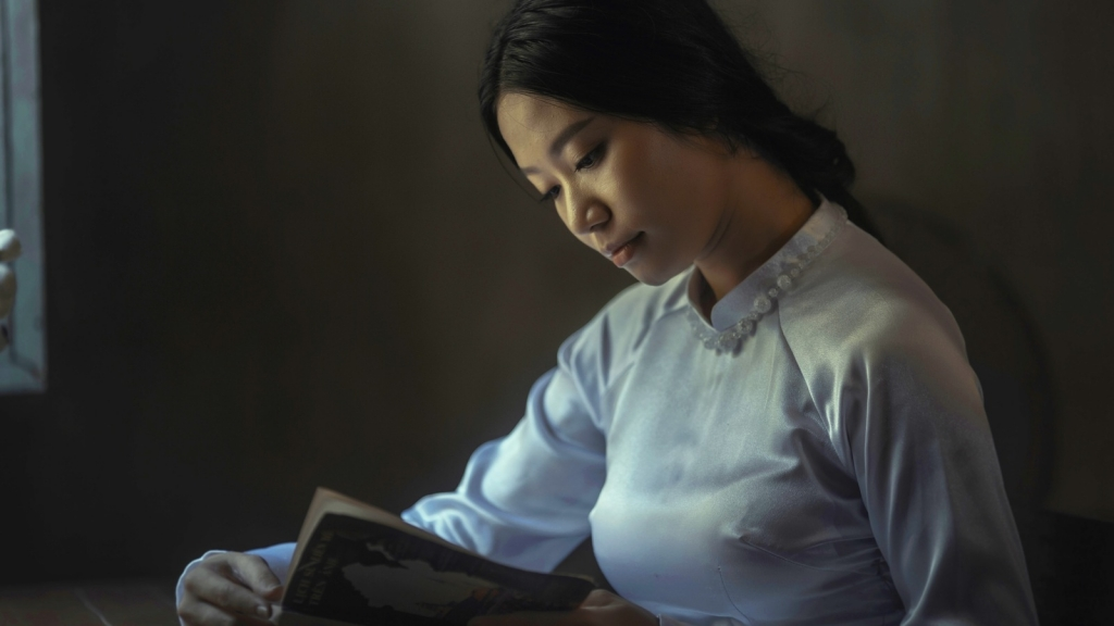 girl reading National Poetry Month